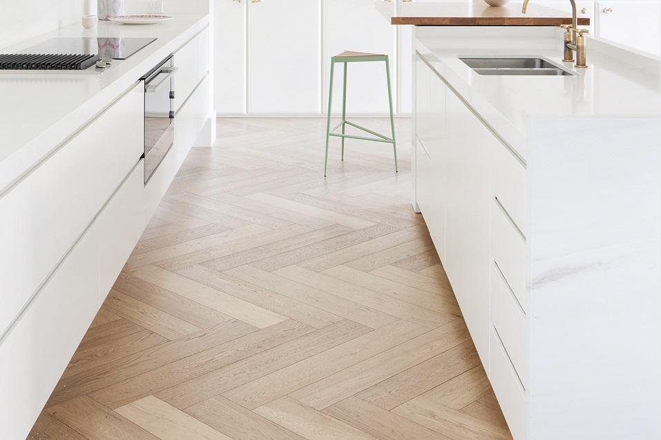 Podłoga olejowana w kuchni